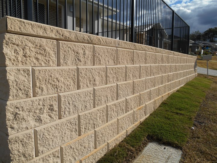 Stackable Retaining Wall Block submited images