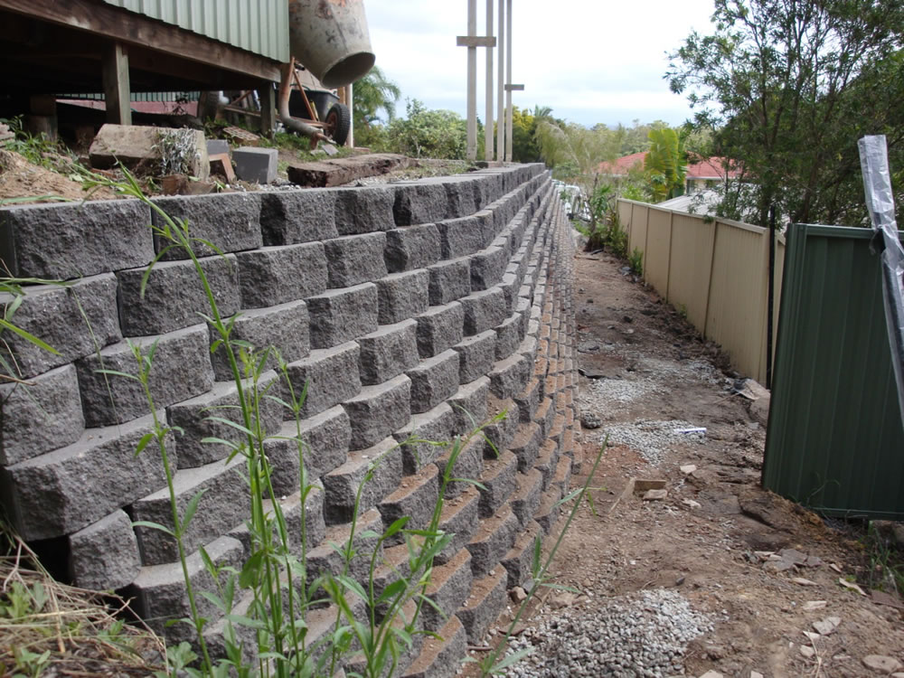 Australian retaining walls diamond concrete block for Concrete block walls design