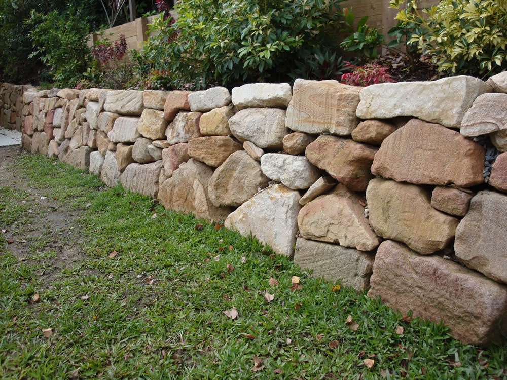 Australian Retaining Walls Hand Placed Sandstone Rock