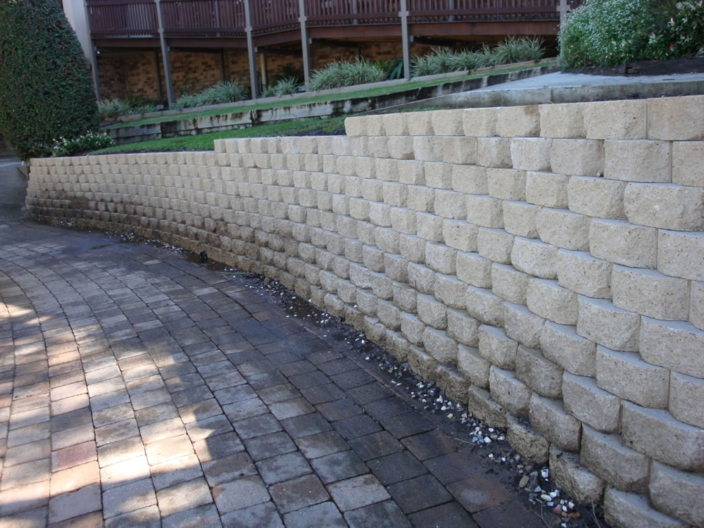 Australian retaining walls windsor concrete block Cinder block retaining wall