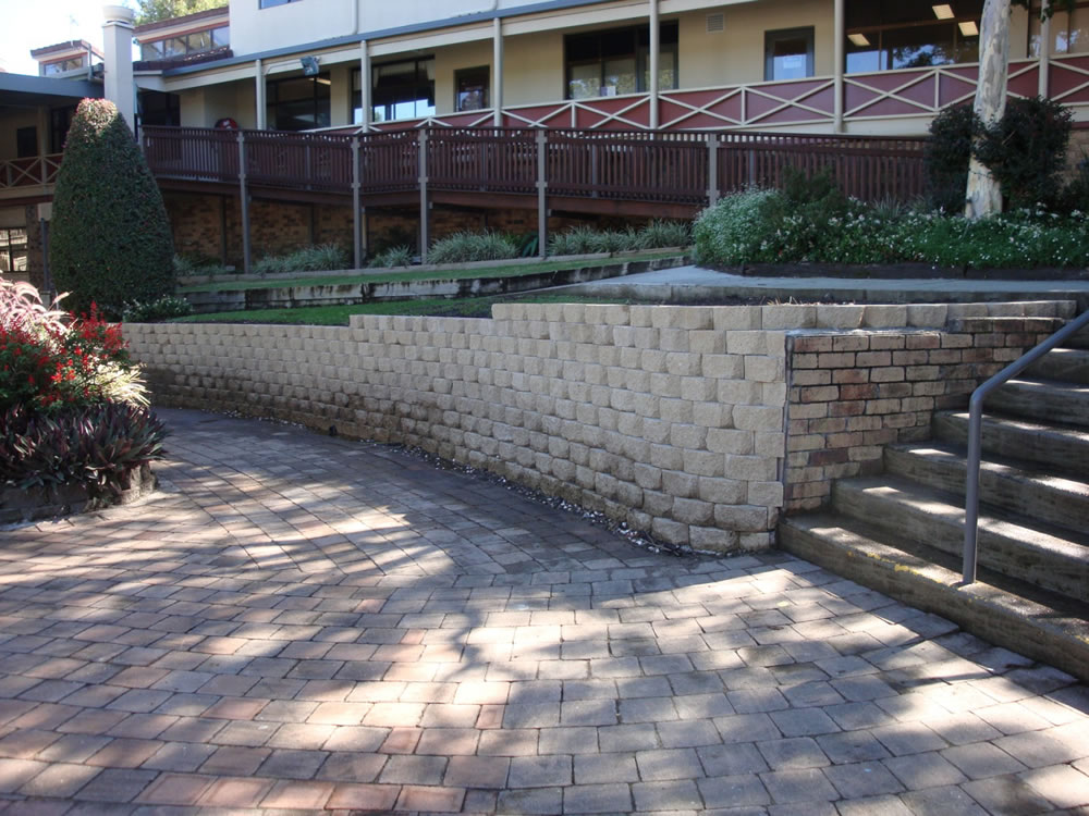 how to build a windsor block retaining wall