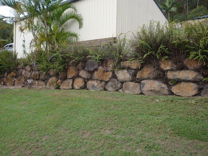 Australian Retaining Walls Bush Rock Boulder Retaining
