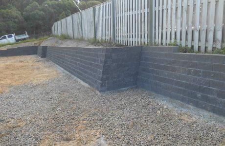 Flush Face Garden Wall Concrete Blocks - Upper Coomera - Australian Retaining Walls 2