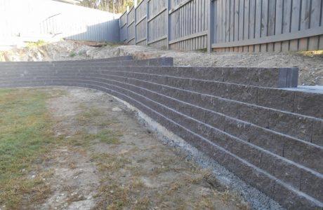 Flush Face Garden Wall Concrete Blocks - Reedy Creek Gold Coast - Australian Retaining Walls 1