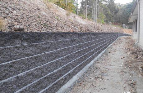 Flush Face Garden Wall Concrete Blocks - Mudgeeraba Gold Coast - Australian Retaining Walls 1