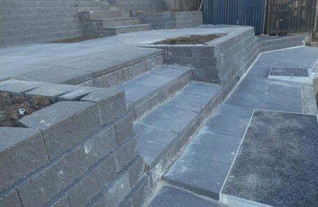 Flush Face Garden Wall Concrete Blocks - Coombabah Gold Coast - Australian Retaining Walls 2